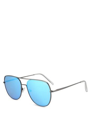 Quay Australia grey Living Large Sunglasses QU661GL0SHYAMY_1