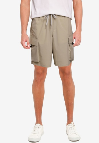 Urban Revivo beige Casual Shorts C04C2AA4948D0DGS_1