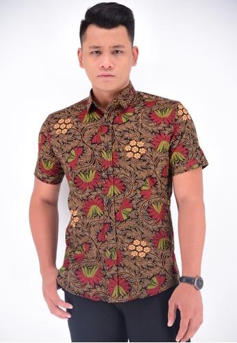 UA BOUTIQUE brown Short Sleeve Shirt Batik UASSB17-083 (Brown/ Red) 93C9AAA4E9D29DGS_1