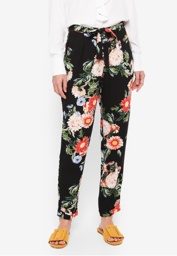 Dorothy Perkins black Black And Red Floral Joggers EB706AA6E6BF28GS_1
