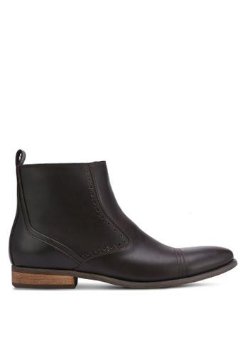 ZALORA brown Essential Faux Leather Chelsea Boots 4D4D3ZZA7BDA54GS_1