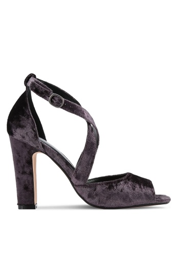 ZALORA purple Velvet Cross Strap Pumps 48707SHD7C090FGS_1