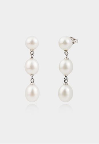 monojewelry TRIPLE-THE-PEARL DROP EARRINGS 80B8BACF16CFDDGS_1