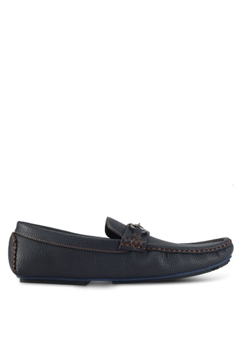 UniqTee blue Pebbled Loafers With Strap Buckle B5521SH985A068GS_1