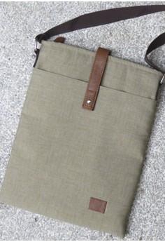 Drew Mini Laptop or Ipad Body Bag in Sand