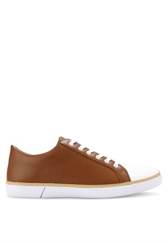 ZALORA brown Casual Duo Tone Laced Up Sneakers 503CASH54EE198GS_1