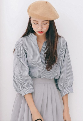 Shopsfashion grey V-Necked Shirt in Stripe SH656AA19LDGSG_1