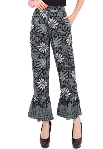 Flike Batik multi Celana Terompet Motif Aster Hitam 7912AAA94F731DGS_1
