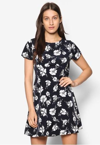 Petitesprit專櫃e 花卉印花傘擺洋裝, 服飾, 洋裝