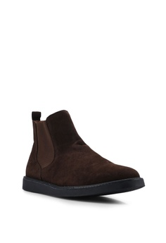 reputable site a7634 c7061 Topman Brown Chant Chelsea Boots RM 279.00. Available in several sizes