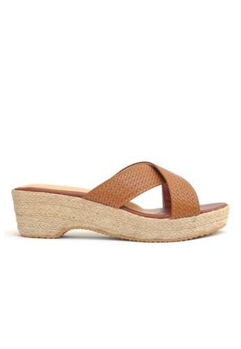 KASOOT brown Kasoot Wedges in Weave Strap Brown 8E63BSH0981C97GS_1