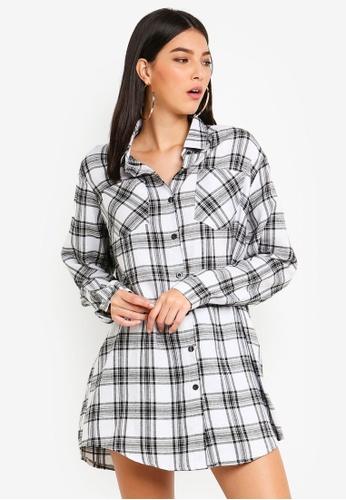 MISSGUIDED white Oversized Checkered Shirt Dress CA01BAA18A1FD0GS_1