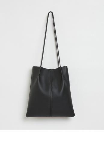 Calli black Belles Pleated Tote Bag 92C24AC72F03F7GS_1
