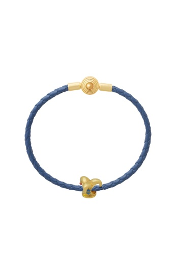 TOMEI gold [Online Exclusive] Jester Clown Hat Charm - Tomei Yellow Gold 916 (22K) with Complimentary Navy Blue Bracelet (TM-YG0477P-EC) 5DF7FACB436354GS_1