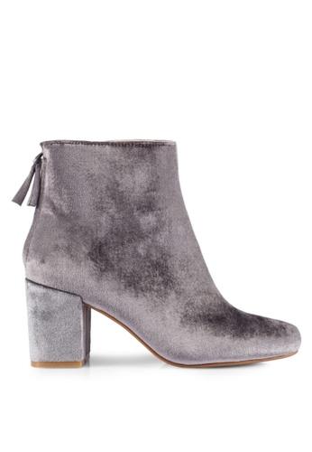 ZALORA grey Velvet Boots 2B203SH07EB1D4GS_1