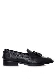 0b5fd21b2 Zeve Shoes black Zeve Shoes Tassel Loafer - Black Pebble Grain  4DC81SH470778DGS 1