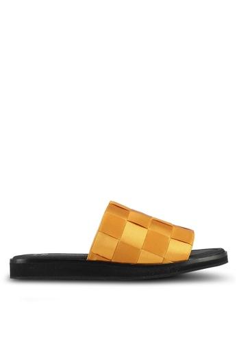 E8 by Miista 黃色 潮流編織格紋拖鞋 E8283SH0STI2MY_1