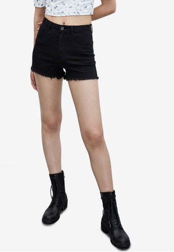 Urban Revivo black Fringed Denim Shorts 97D59AA98D61E6GS_1