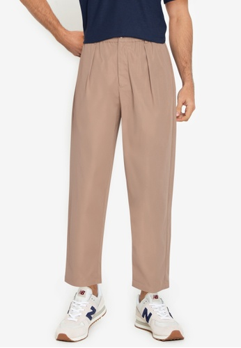 ZALORA BASICS brown Pleated Front Trousers AECBAAA98FA675GS_1