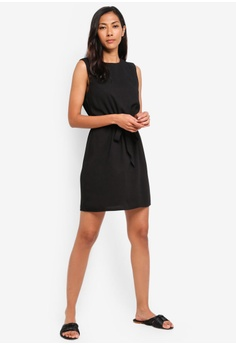 7821c5e0e67f 30% OFF ZALORA BASICS Basic Sleeveless Waist Tie Dress HK$ 199.00 NOW HK$  138.90 Sizes XS S M L XL