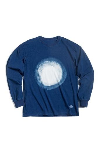 Twenty Eight Shoes blue VANSA Nebula Pattern Long Sleeve Tee Shirt VCM-T2001062 63FADAA518CDD3GS_1