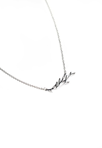 Gung Jewellery silver Maple Pendant Necklace in Silver DF294AC3644F87GS_1