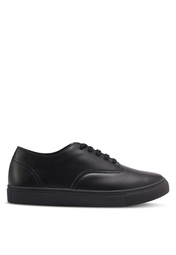 ZALORA 黑色 Classic Lace Up Sneakers 851F4SH0B7E30CGS_1