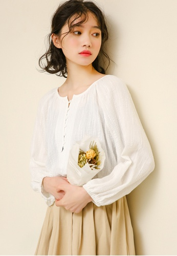 Shopsfashion white Button Up Textured Cotton Blouse in White 7E8A7AA50AB79EGS_1