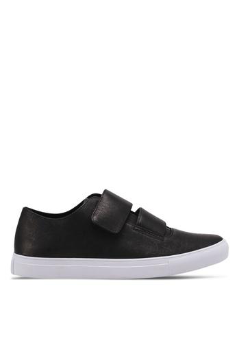 ZALORA black Reverse Strap Velcro Fastening Sneakers E08F9SHEB4CB57GS_1