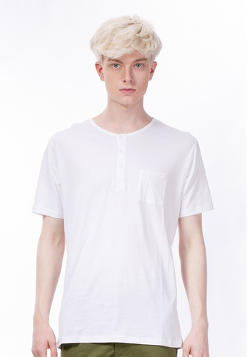 CONTROLLED COMMODITY white The Athletic Henley in White CO323AA31UFWSG_1