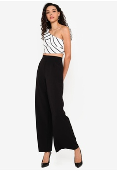 eacfe236bcb7c 5% OFF Boohoo Chevron Print One Shoulder Crop Top RM 99.00 NOW RM 93.90  Sizes 6 8 10 12 14
