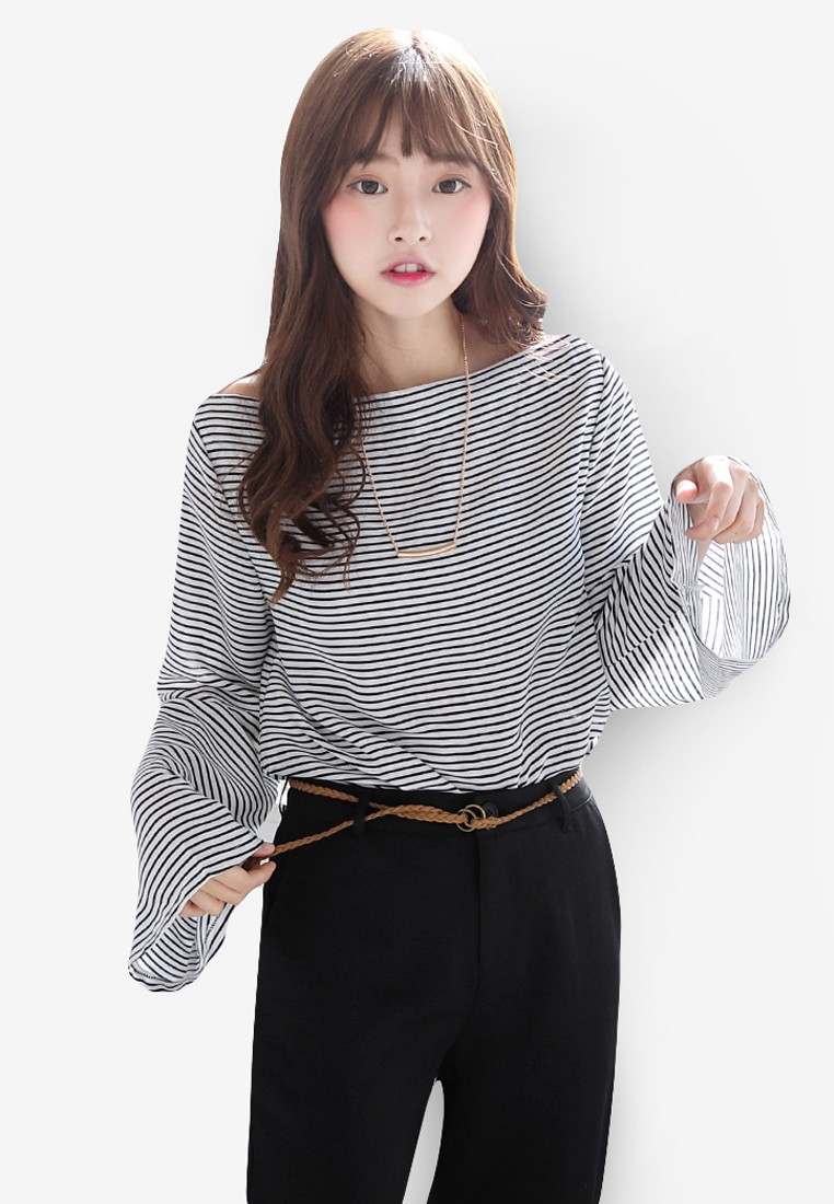 Striped Funnel Sleeved Wide Neck Top With Necklace