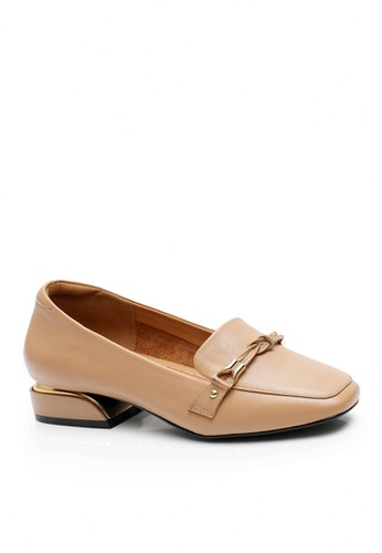 Twenty Eight Shoes beige Top Layer Cowhide Knot Buckle Loafers VL8932 A7A99SH679339EGS_1