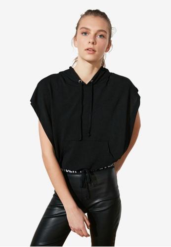 Trendyol black Short Sleeve Cropped Sports Hoodie 03847AA369F4A7GS_1