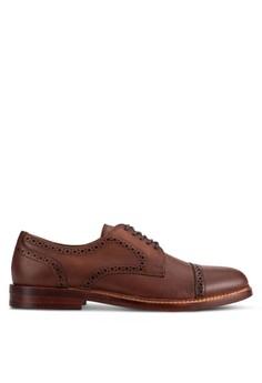 【ZALORA】 Derrade 紋理穿孔西裝鞋