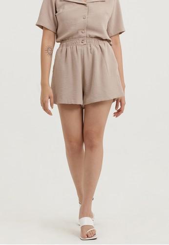 Cloth Inc beige Flowy Shorts in Khaki D16B1AADC7CDD7GS_1