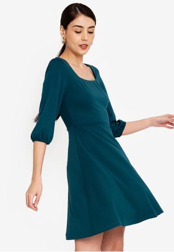 ZALORA WORK 綠色 方領喇叭裙洋裝 BC2BEAA80B4054GS_1