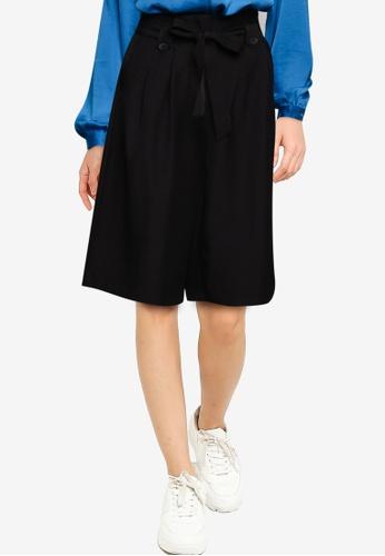 Vero Moda black Layla Hw Knee Shorts 842F3AA8715FA9GS_1