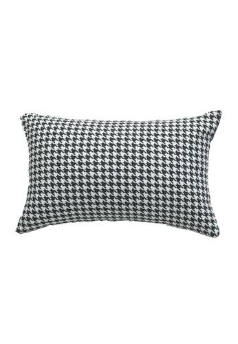 DILAS HOME Monotone Houndstooth Cushion Cover (Rectangle) DC99CHL42DE8B6GS_1