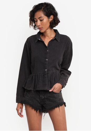 TOPSHOP black MOTO Frill Hem Denim Shirt TO412AA0RMXCMY_1
