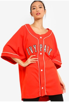 6dc7139afb2 Ivy Park red Baseball Logo Over Size Tee 494CDAAA4FFBE4GS 1
