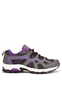 Trail Seeker Sneakers