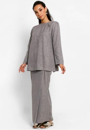 Kurung Lamia in Dark Grey from BETTY HARDY in Grey