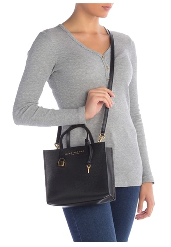 Marc Jacobs Marc Jacobs Mini Grind Coated Leather Tote Black 2021 ...