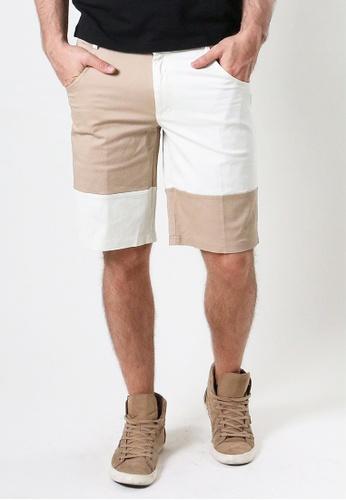 AMNIG beige Amnig Men Colour Block Chino Shorts 48627AA7C19A03GS_1