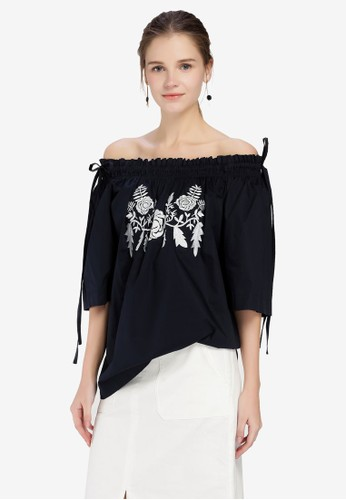 Hopeshow navy Embroidered Off Shoulder Top 2CA25AAF0A5A5CGS_1