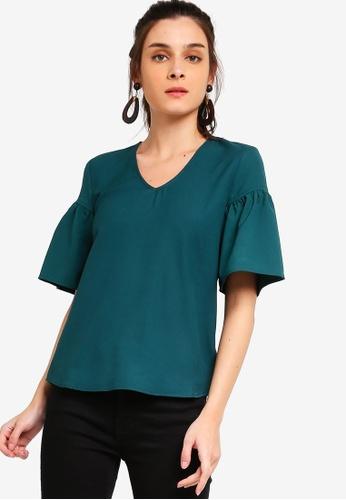 ZALORA 綠色 Flare Sleeves Blouse 315D5AAFA31547GS_1