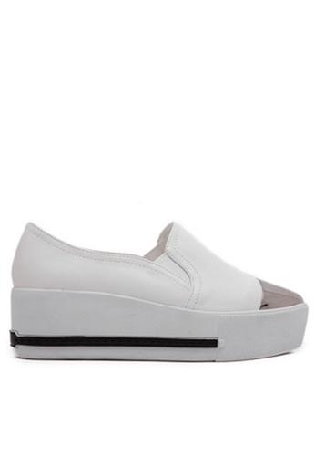 Twenty Eight Shoes white Metal Cap Slip-on 7313-2 TW446SH65YJIHK_1