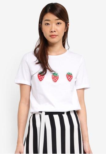 Dorothy Perkins white Ivory Strawberry Applique T-Shirt 60EAFAAD1EC65DGS_1