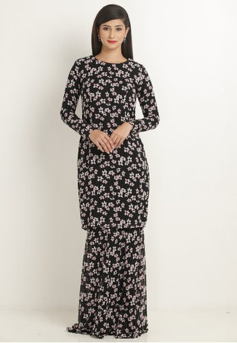Kurung Modern Princess Cut in Black with Pink Floral Print from Nadzri Morshidi in Black